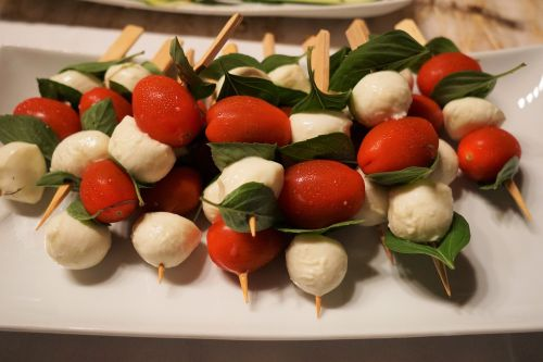 tomatoes mozzarella skewers