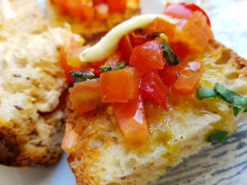 tomatoes  bread  food