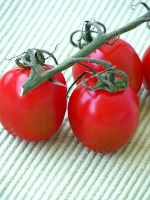 tomatoes red vegetarian