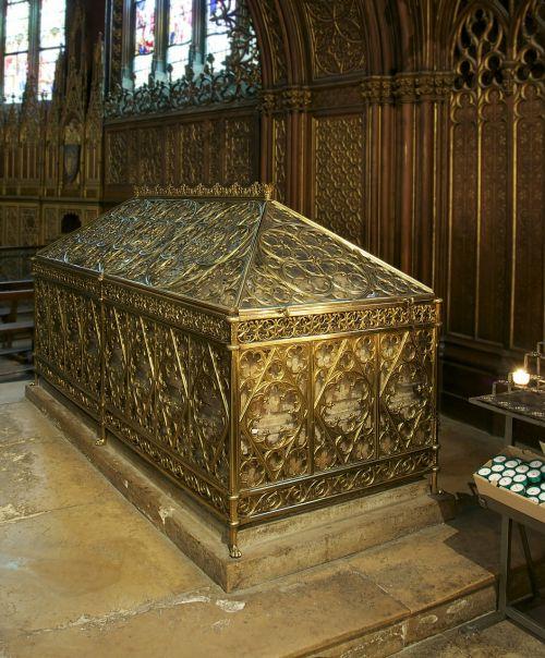 tomb saint genevieve church