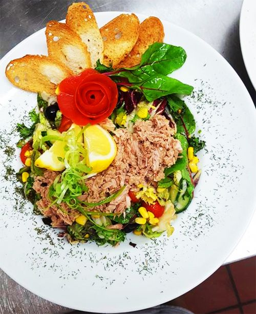 tone salad restaurant