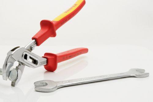 tool pliers water pump pliers