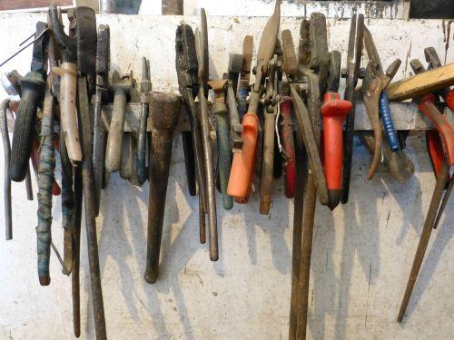 tool workshop pliers