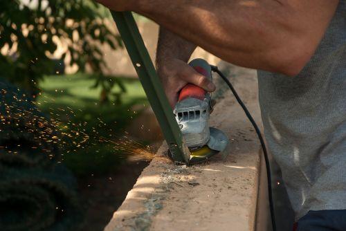 tool grinder sparks