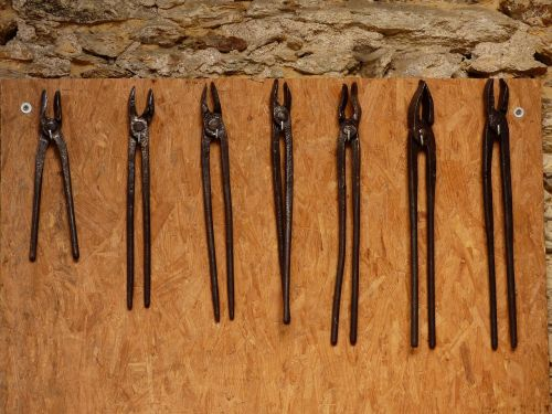 tools field tongs