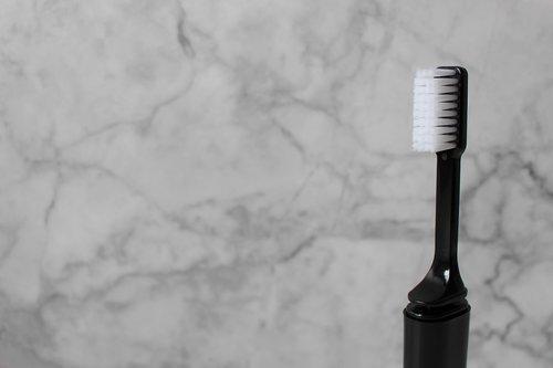 toothbrush  cosmetics  brush teeth