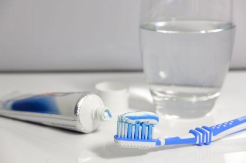 toothpaste toothbrush brushing teeth