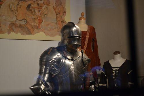 torino medieval village armor