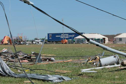 tornado destruction moore