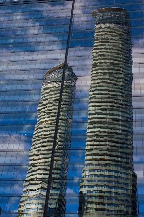 toronto mirroring skyscraper