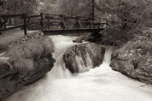 torrent water river