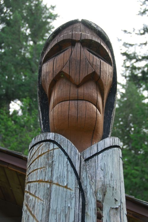 totem chief wood