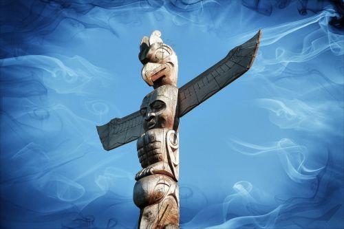 totem pole indian native