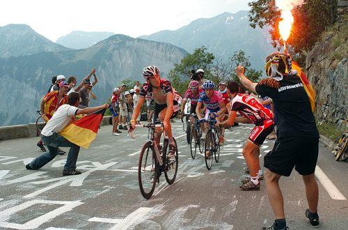 tour de france after l 'alpe d' huez climb fanatical viewers