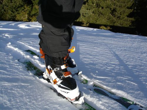 touring skis ski touring binding backcountry skiiing