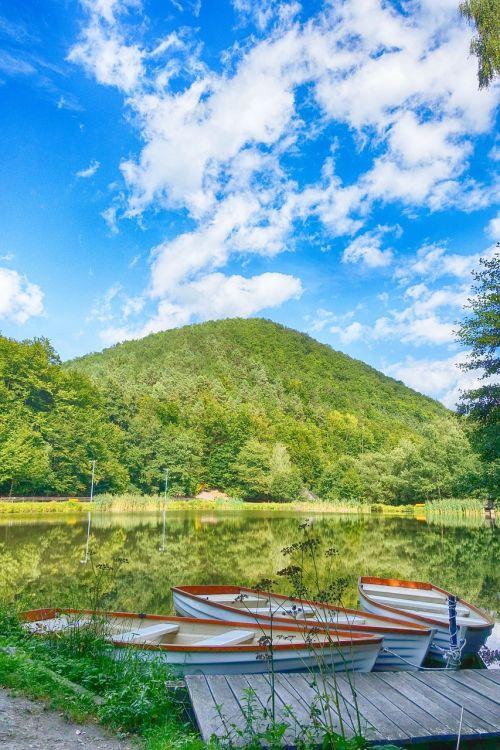 turizmas,vengrija,zemplén,kraštovaizdis,lankytinos vietos,gamta,kalnai,ruduo,vengrų kraštovaizdis,miškas,medžiai,vandens paviršius,vanduo,saulės šviesa,regionas,ežeras,kaimo kraštovaizdis,atspindys