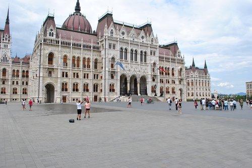 tourism  downtown  capital
