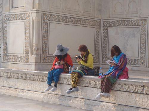tourist taj mahal palace