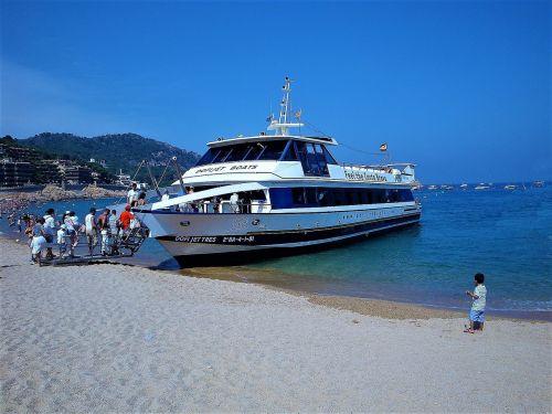 tourists child the mediterranean sea