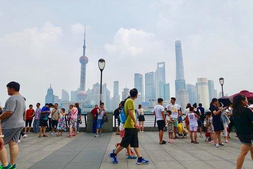 tourists  shanghai  crowd