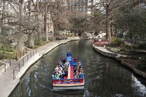 turistai,baržos,siteseeing,valtis,kelionė,upė,riverwalk,paseo del rio,san antonio,texas,usa,pritraukimas,orientyras,vaizdingas,atsipalaiduoti