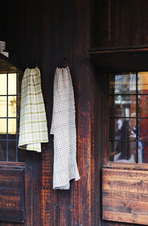 towels wood house