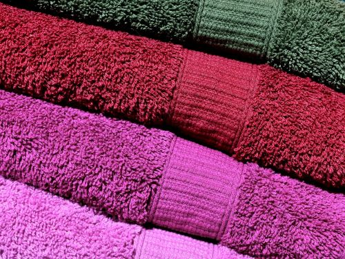 towels pink red