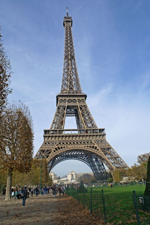 tower eiffel tower the centre of