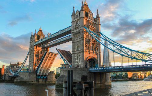 tower bridge london evening