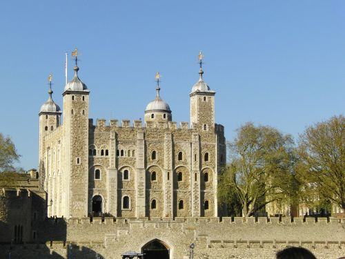 tower of london london london bridge