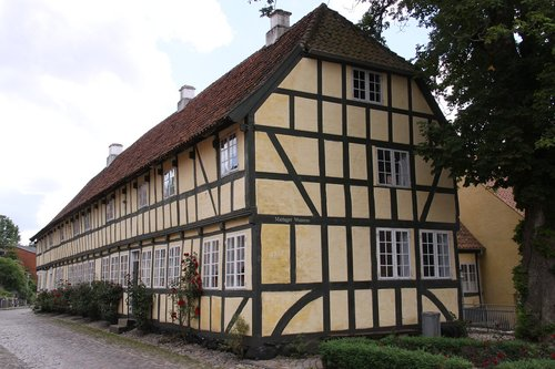 townhouse  medieval town  mariager