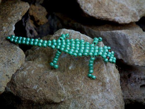 toy lizard beads
