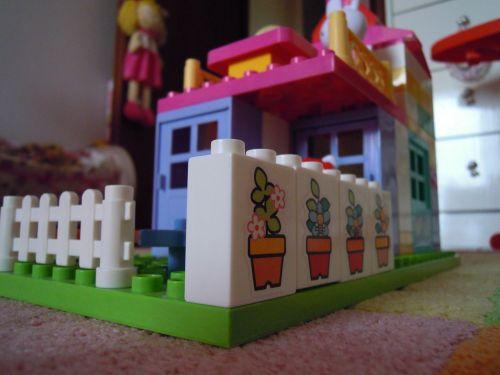 toy construction plastic