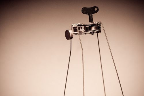 toy wind-up robotic