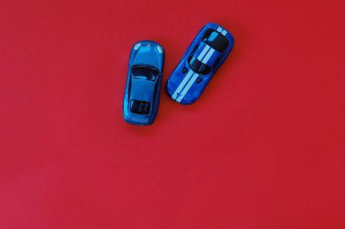 žaislas,matchbox,lenktynės,automobilis,mažas,žaisti,vaikystę,modelis,namai,mėlynas,Porsche,raudona,fonas,objektas,fotografija,linksma,mažai,veikla