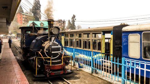 toy train darjeeling train
