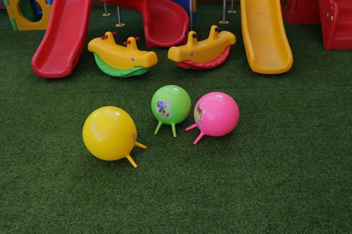 toys  slides  balloon