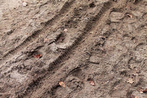 traces sand bike tracks