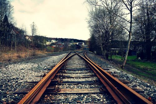 track seemed train