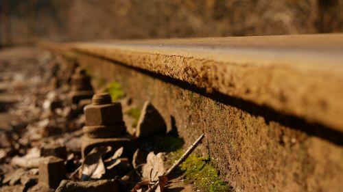track pebble train