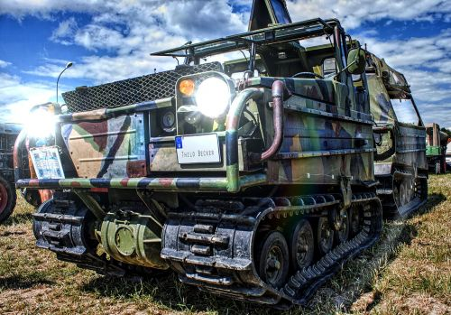 tracked vehicle oldtimer panzer