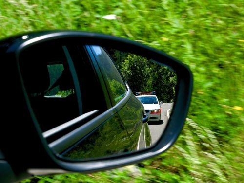 tracking police rear mirror