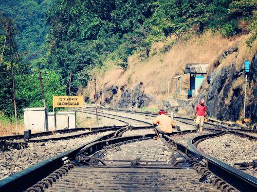 tracks railways train