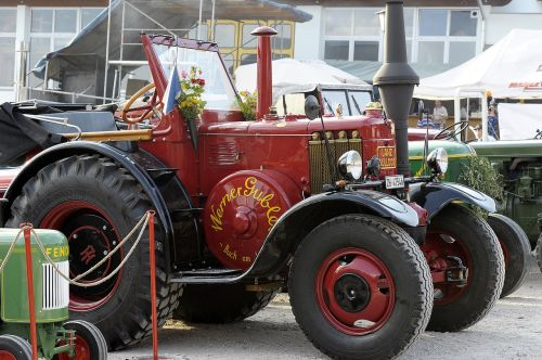 tractor oldtimer vehicles