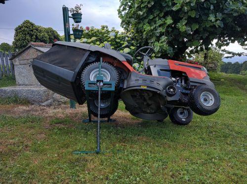 tractor lawn mower elevator