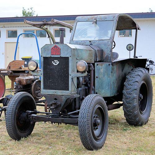 tractor tractors old