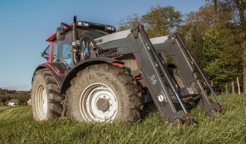 traktorius,traktoriai,žemės ūkio mašina,buldogas,darbo mašina,Žemdirbystė,vilkikas,transporto priemonė,komercinė transporto priemonė