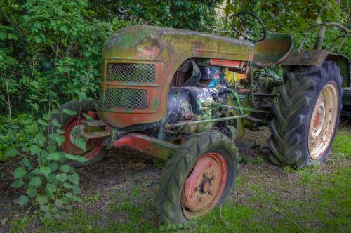 tractor hdr moss