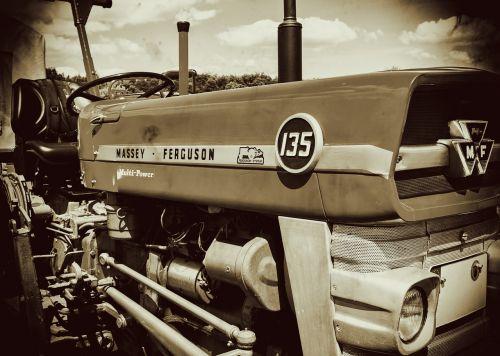 tractor oldtimer massey ferguson