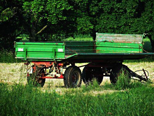 tractor trailer field